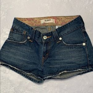 Levi's Distressed Slouch Short. Sz. 5